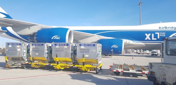 AirBridgeCargo Delivers 41 RKN CSafe Containers for Covid-19 Vaccine Transportation