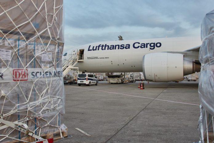 DB Schenker and Lufthansa Cargo Launch Regular CO2-neutral Freighter Flights
